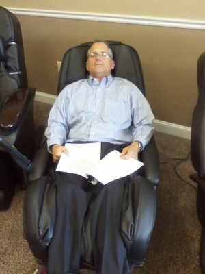 Now the HT-1650 massage chair is being discontinued - IMG 0090