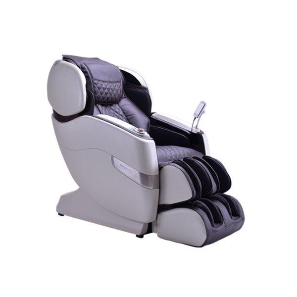 Japanese-made JPMedics Kumo massage chair