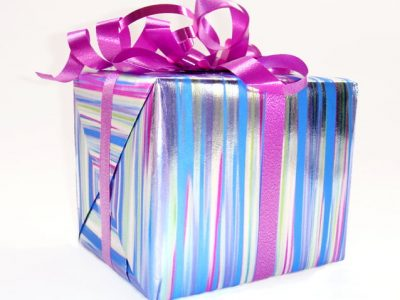 Covid & Christmas Delivery - gift 1417929 638x529 1