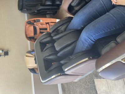 Long Legs/Short Legs - Fitting in a Massage Chair - IMG 0377